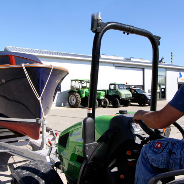 boot_traktor